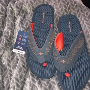Men's Dockers flip flops NWT